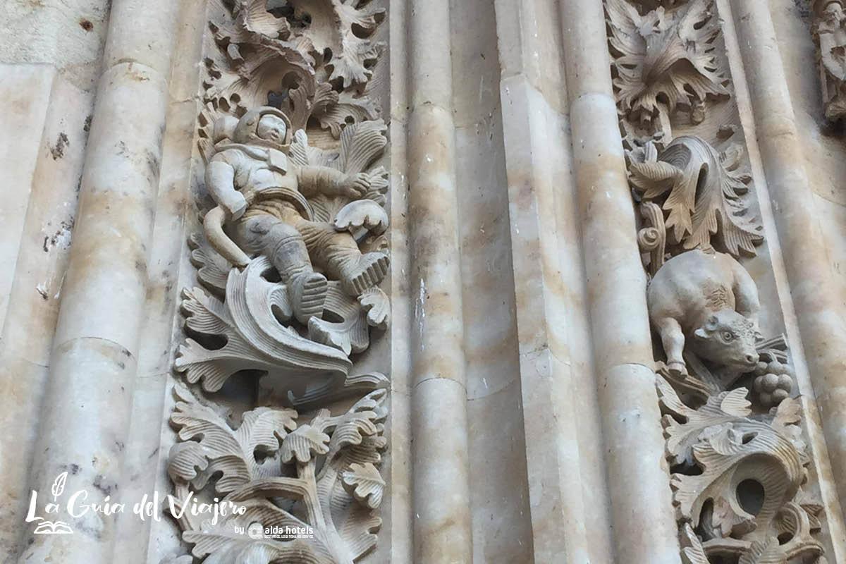 Qué hacer y ver en Salamanca: el astronauta de la Catedral de Salamanca