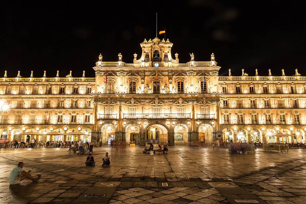Qué hacer y ver en Salamanca: Playa Mayor (vista de noche)