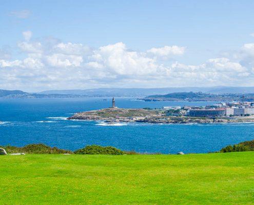 Qué ver en A Coruña en un día: vistas de la ciudad desde el Monte de San Pedro