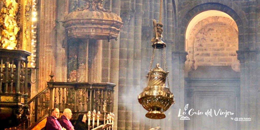 Qué no perderse en Santiago de Compostela: Botafumeiro en la Catedral