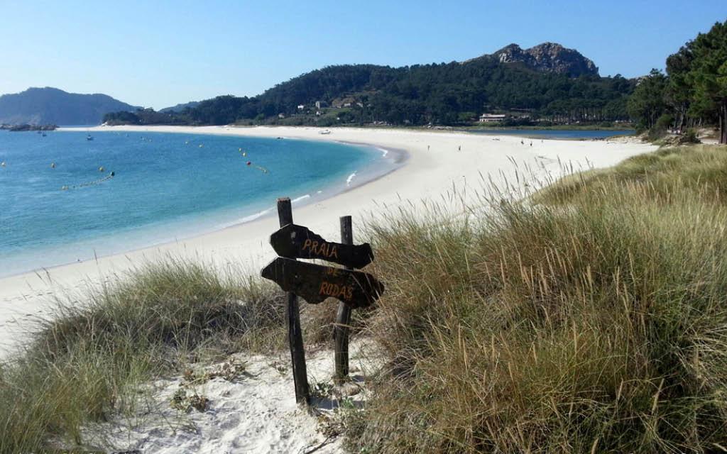 Qué ver en Vigo: la Playa de Rodas en Islas Cíes