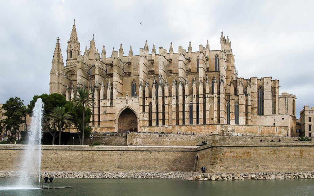 Si buscas qué ver en Mallorca en 2 días, la Catedral de Santa María es parada obligatoria.
