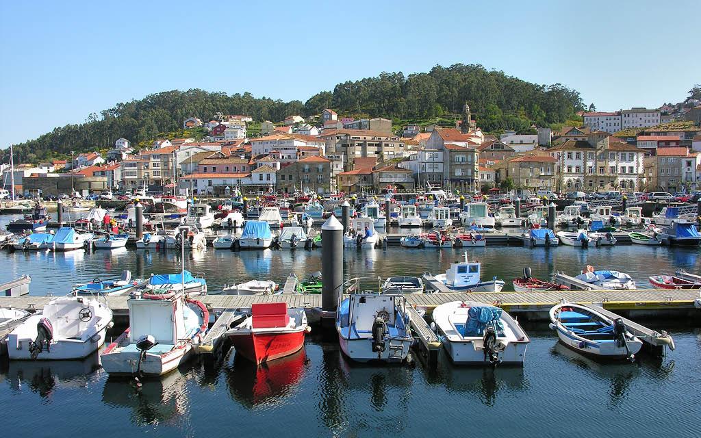 Muros es uno de los pueblos entre Santiago y A Coruña que no te puedes perder.