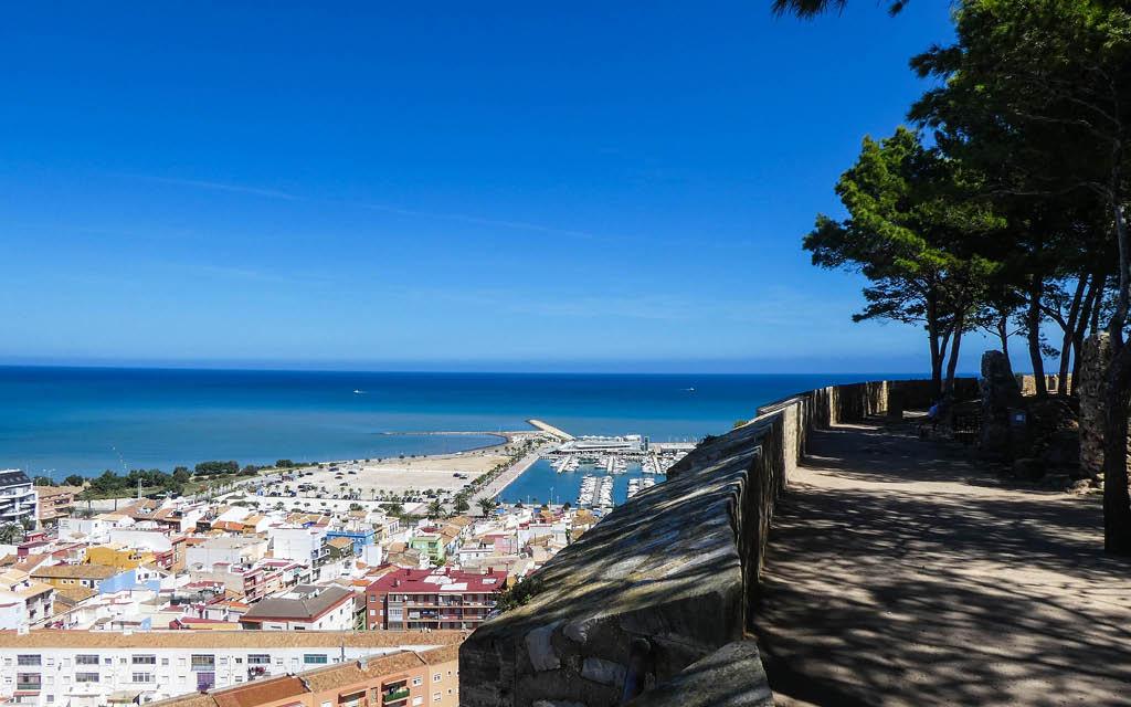 Denia es uno de los pueblos de Alicante con playa más bonitos