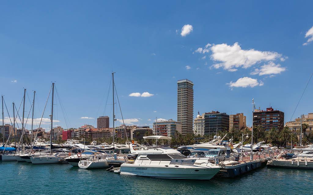 El Puerto de Alicante es una de las cosas que tienes que ver en Alicante ciudad