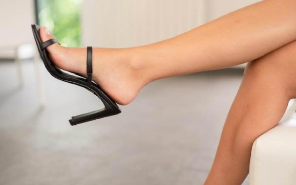 El mejor calzado para verano las sandalias con tacón.