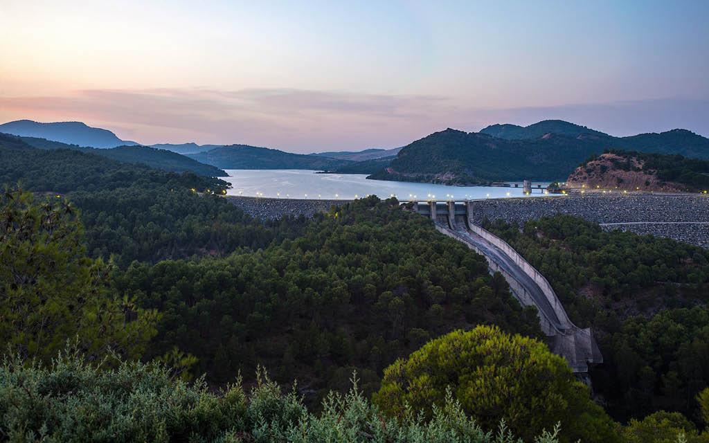Un de las mejores rutas en Málaga provincia es la del Embalse El Chorro en Ardales