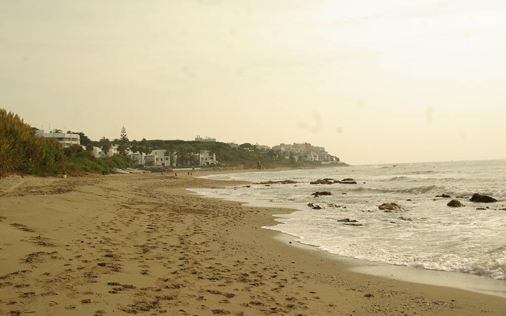Cabopino es una de las mejores playas de Málaga para nudistas